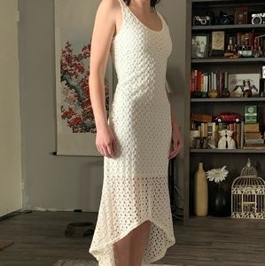 Sleeveless Off-White Lace Dress